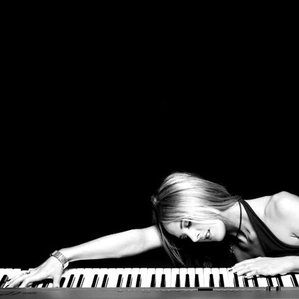 Sarah Class, Lions & Lizards Rock Café (from 'Africa'), Piano