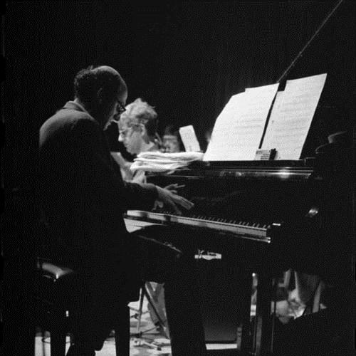 Michael Nyman, Silver-Fingered Fling (from The Piano), Piano