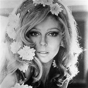 Nancy Sinatra, These Boots Are Made For Walking, Lyrics & Chords
