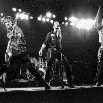 The Clash, Walking The Sidewalk, Lyrics & Chords